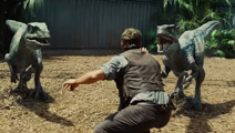 Zookeepers are recreating Chris Pratt's Jurassic World pose
