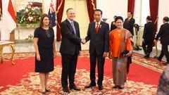 John Key with Indonesian President Joko Widodo (Issac Davison).