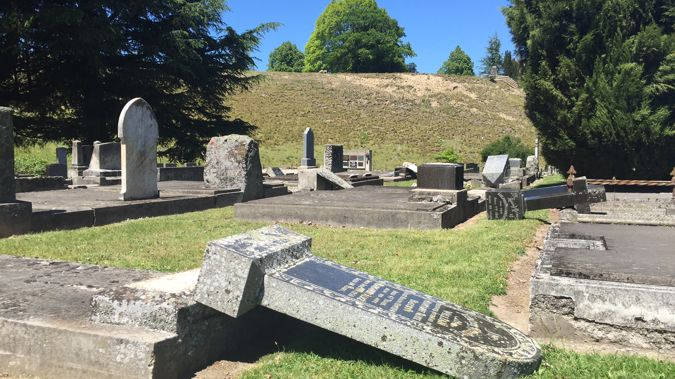 Gravestones and memorial pillars have toppled in earthquake-battered Waiau's local cemetery (Kurt Bayer)