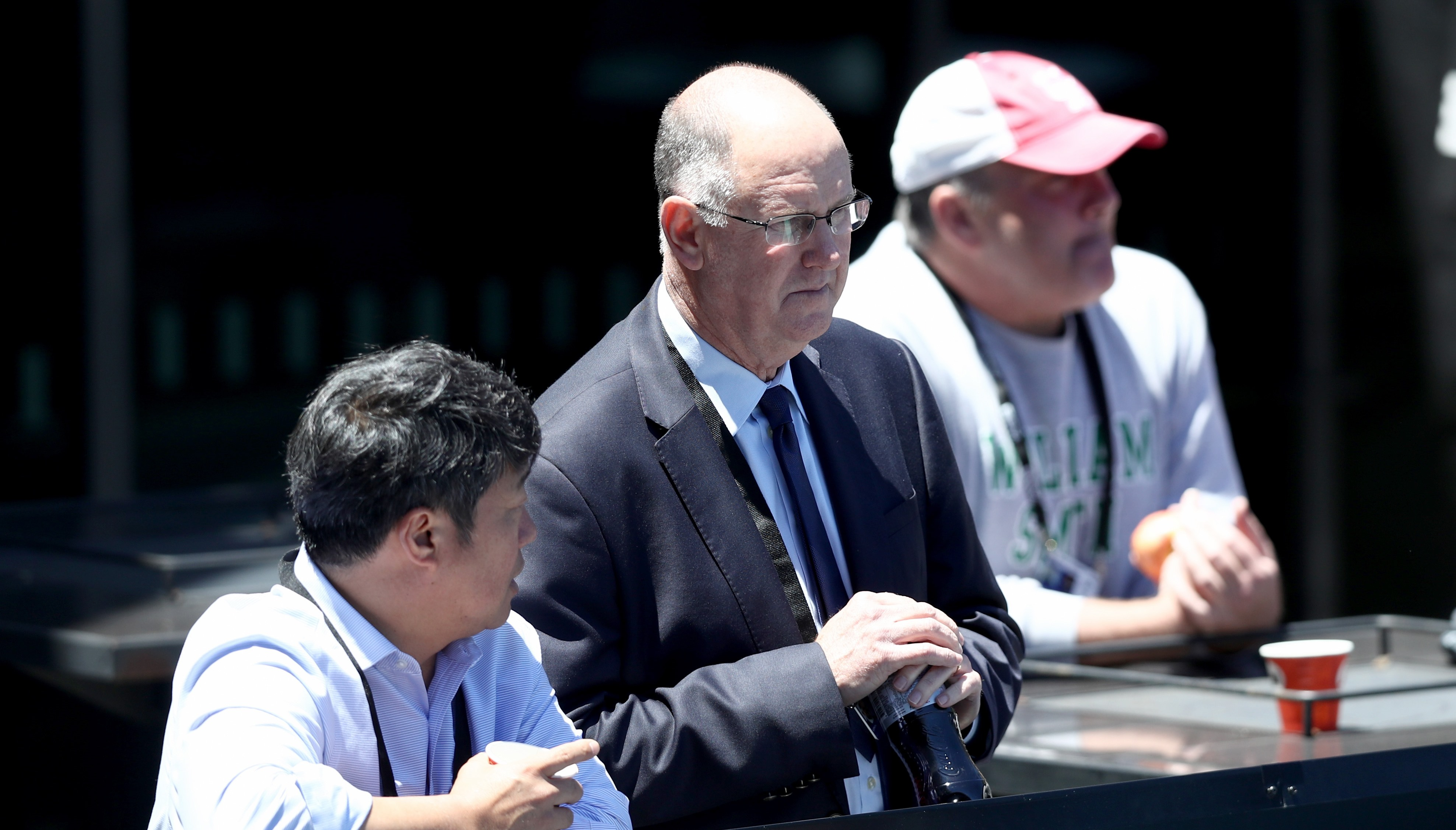 WTA CEO Steve Simon, centre, looks on at the ASB Classic (Getty Images)
