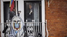 Assange indicated he will leave embassy after Manning clemency