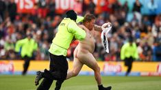 Caller Margaret: Give streakers the attention they deserve