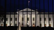 White House intruder on grounds for 16 minutes