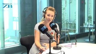 Watch: Singer Rebecca Nelson joins Andrew Dickens in studio
