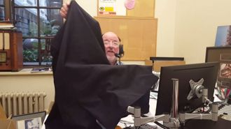 WATCH: How Barry Soper records for the radio