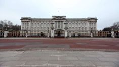 Buckingham Palace staff called to emergency meeting