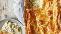 Michael Van de Elzen: Bee's Famous Chicken Pie