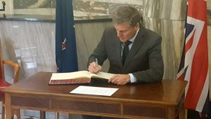 Prime Minister Bill English signing condolence book at Parliament for Manchester attack victims (Felix Marwick)
