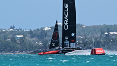 Team NZ, Oracle take early toll on Team France