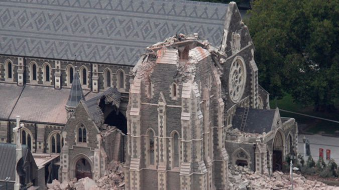 Winston peters says its time to rebuild christchurch cathedral the partially collapsed christ church cathedral 2011 malvernweather Image collections