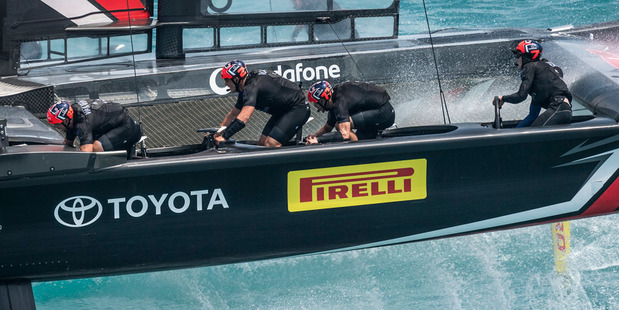 America's Cup qualifiers off to smashing start in Bermuda