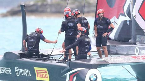 50/50 chance of Team NZ winning America's Cup