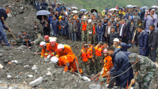 Scores feared dead in China landslide