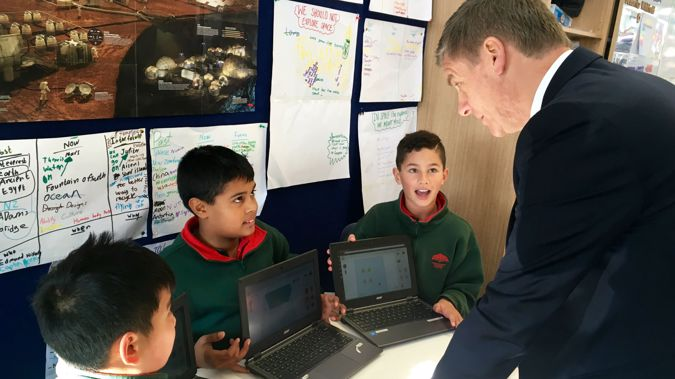 Prime Minister Bill English talks to students at Newmarket Primary School (Rosie Gordon)