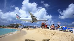 The area is well known to have the aircrafts fly low over the beach (Getty Images).