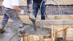 The slow growth comes as construction jobs drop to a four-year low (iStock)..