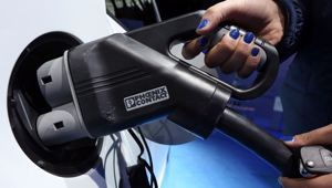 Britain has decided to ban diesel and petrol-fuelled cars and vans by 2040. (Photo \ Getty Images)