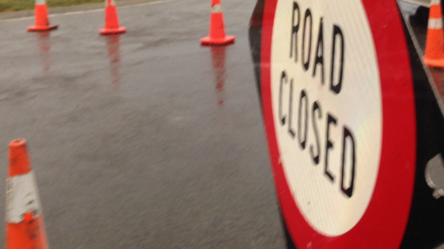 The road linking central Wellington to the suburbs of Ngaio and Khandallah has been closed by a large landslip. ( Jessica McCarthy)