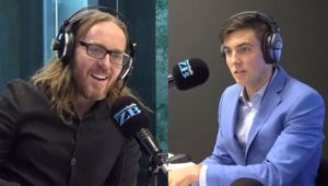 WATCH: Musical comedian Tim Minchin joins Jack Tame in studio