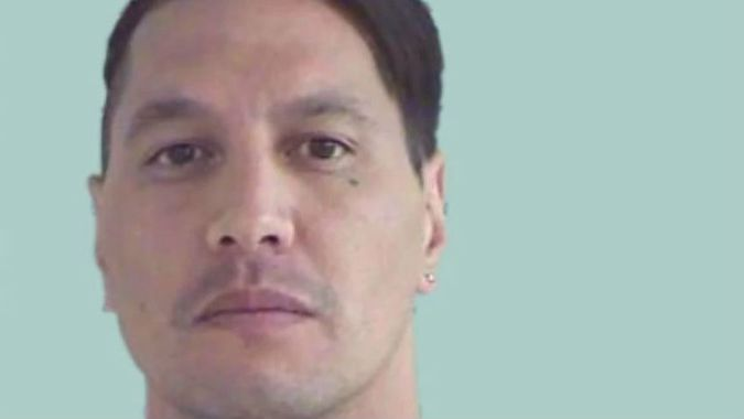 'Give yourself up' - police to Rollie Heke