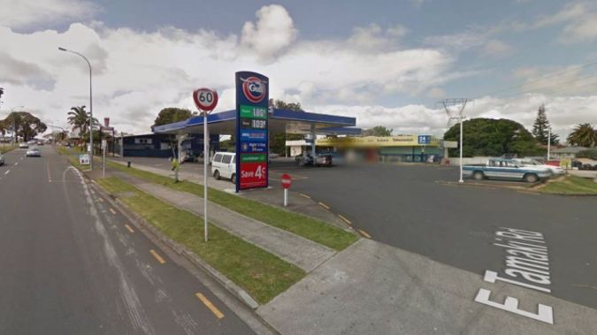 A newspaper delivery driver was stabbed while picking up a load from the East Tamaki Gull service station. (Photo: Google maps)