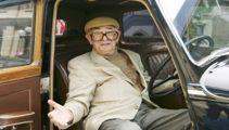 Shelley Berman, sit-down comic, has died aged 92