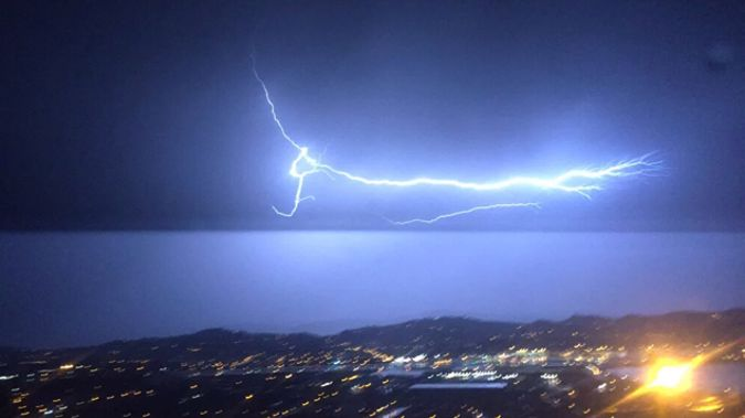 More than 4000 people have no power in Wellington as an electrical storm lights up the skies (Photo - Facebook)