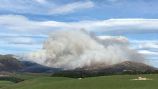 Fire crews battle 1300 hectare blaze near Te Anau