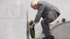 Michael D. Higgins lays a wreath at the ceremony. Photo/Christchurch Council