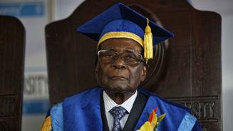 Robert Mugabe addresses Zimbabwe, does not resign