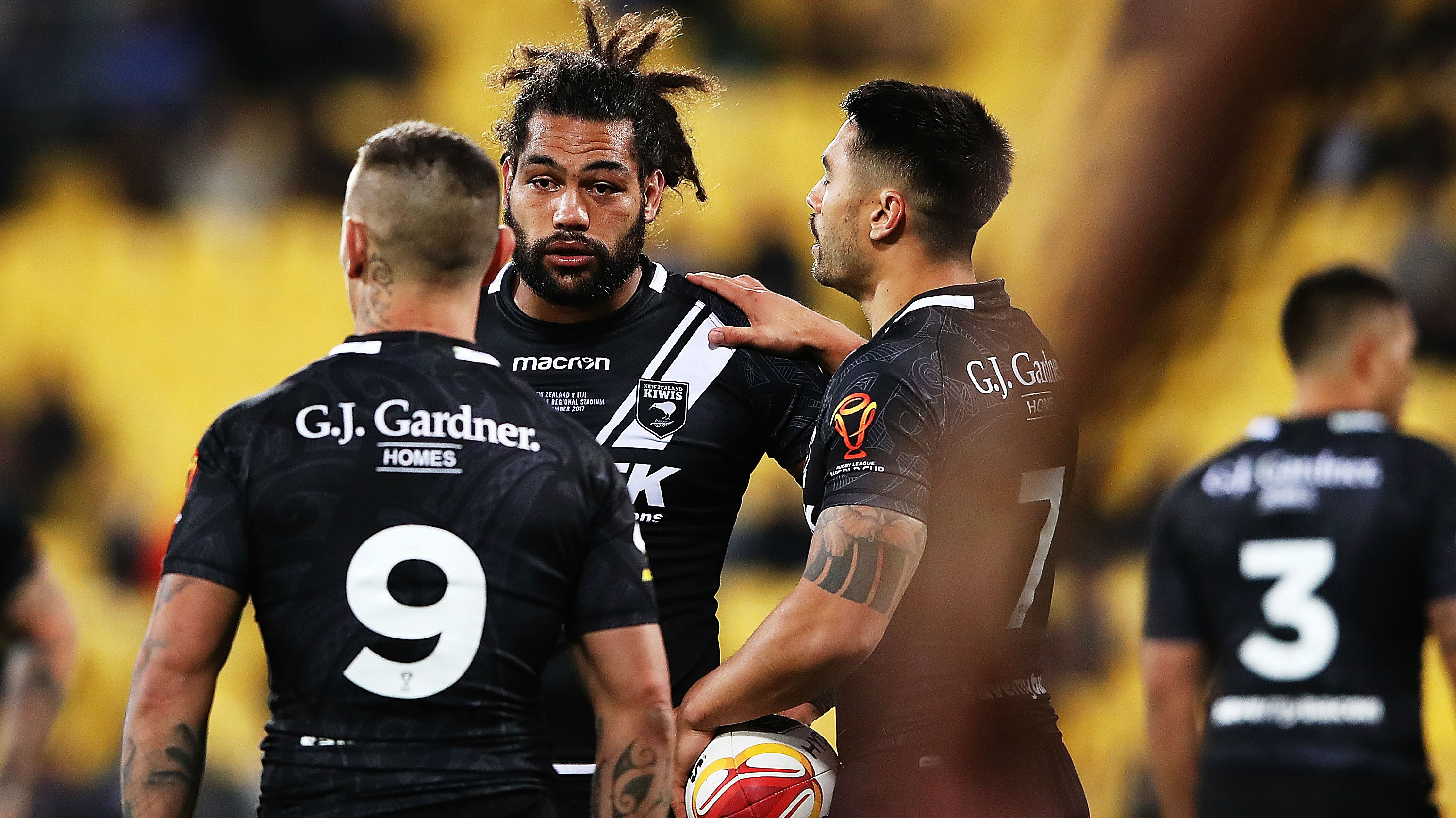Danny Levi, Adam Blair and Shaun Johnson during the 2017 Rugby League World Cup Quarter Final match between NZ and Fiji. (Photo \ Getty Images)