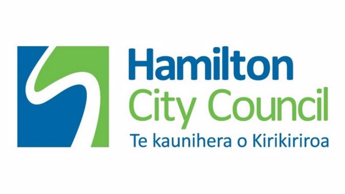Hamilton City Councillor Mark Bunting has apologised for an inappropriate joke.