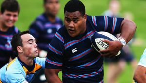 'Tongan Thor' Taniela Tupou playing for Auckland's Sacred Heart College First XV in 2014. (Photo \ Getty Images)