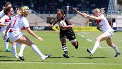 Shontelle Woodman of the Kiwi Ferns taking on the line against England (Photosport)