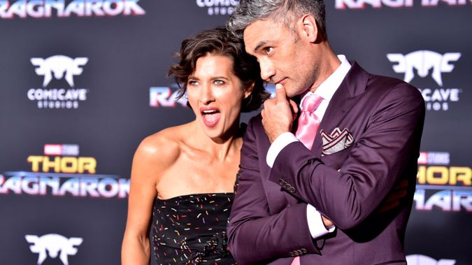 Taiki Waititi and partner Chelsea Winstanley at the premier of Thor: Ragnarok in Los Angeles, California. (Photo \ Getty Images)