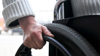 Tetraplegic woman: Euthanasia shouldn't be allowed for people with injuries