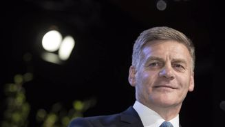 Bill English stands by Te Reo comments