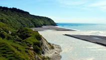 Warnings issued over toxic algae in Hurunui River