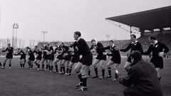 Graham Williamson played in all four of the All Blacks' internationals in 1967, including this match against France. (Photo \ Getty Images)
