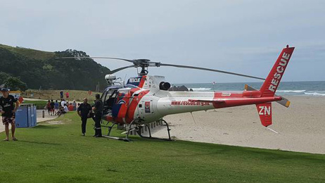 Emergency services searching for paraglider at Mt Maunganui
