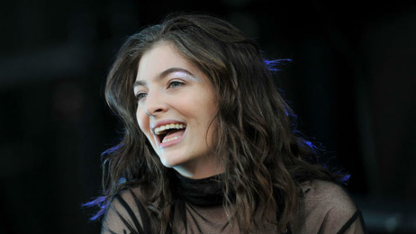 Lorde wins Brit Award for best international female artist
