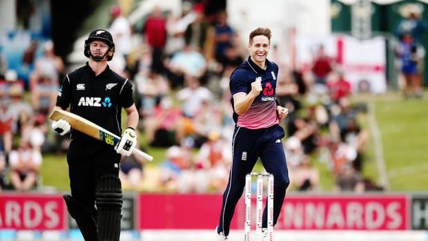 Ben Stokes steers improved England to comfortable win over New Zealand