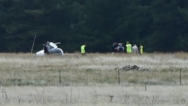 Police were called to the scene of a helicopter crash at 11.28am this morning. (Photo / Gregor RIchardson, Otago Daily Times)
