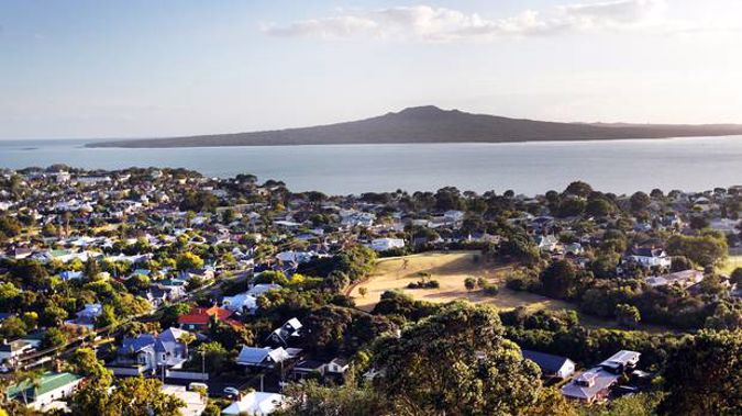 It would take an Aucklander on the average income 832 weeks to save a deposit for a $670,000 home. (Picture / File)