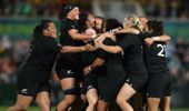 New Zealand Black Ferns celebrate their victory during the Women's Rugby World Cup 2017 (Photo \ Getty Images)
