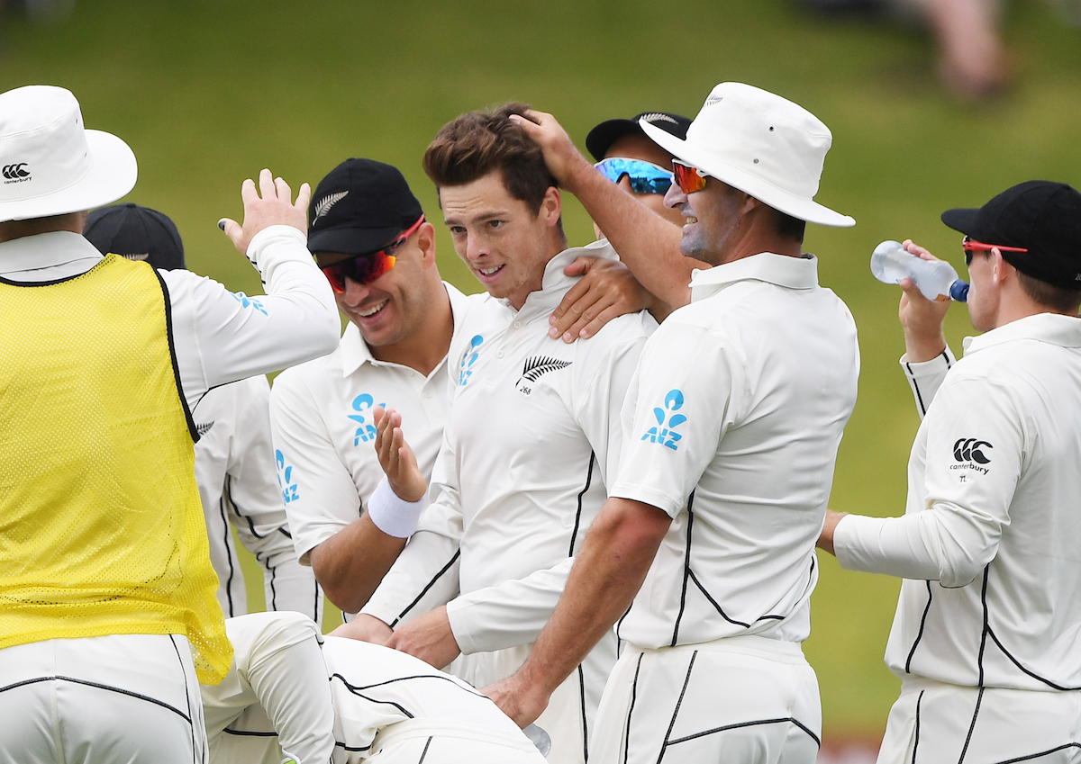 Santner ruled out for nine months, Watling returns