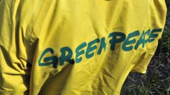 Greenpeace overalls (Photo \ Getty Images)