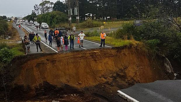 Slip on State Highway 1 near Pukenui and Houhora in Northland. (Photo / Troy Denison)