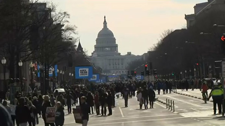 Gripping silence marks Florida shooting during Washington march