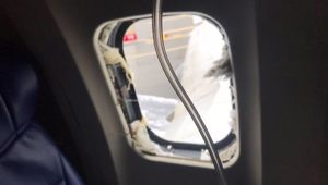 A shattered window on the Southwest flight that made an emergency landing. (Photo/ Matt Tranchin)